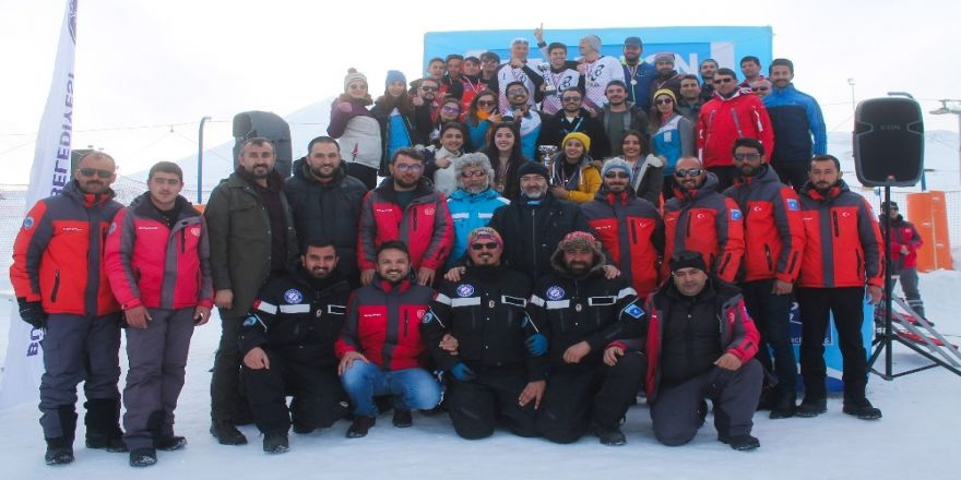 Kar Voleybolu, Erciyes'te Parlıyor