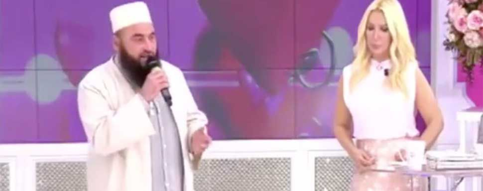 İzdivaç programına katılan Mustafa Hoca canlı yayında ağladı