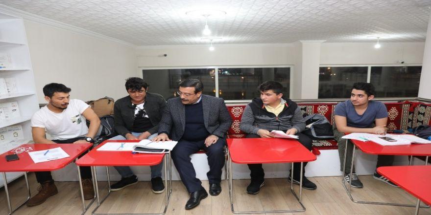 Başkan Atilla'dan Millet Kıraathanesi'ne Ziyaret