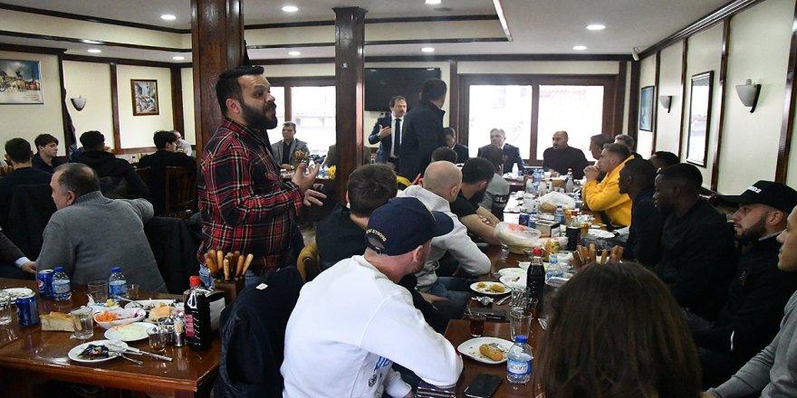 MKE Ankaragücü'nde yöneticiler ve futbolcular yemekte buluştu