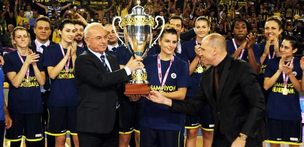Kupa Fenerbahçe'nin!