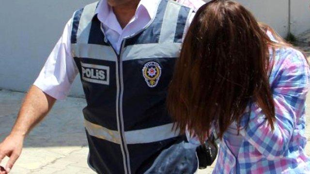 Sütyeninden 100 Uyuşturucu Hapı Çıkan Kadın: Benim Haberim Yok