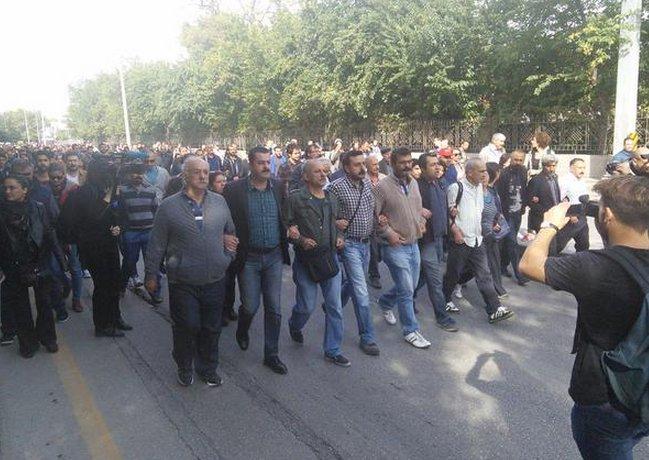 HDP VE CHP'LİLER KOL KOLA YÜRÜDÜLER !