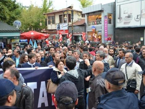 Katliamı Protesto Eden Gruba 'Şehit Cenazesinde Neredeydiniz' Tepkisi