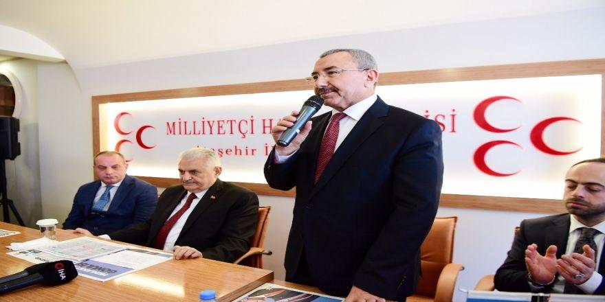 Binali Yıldırım Ve İsmail Erdem Mhp Ataşehir Teşkilatı'nı Ziyaret Etti