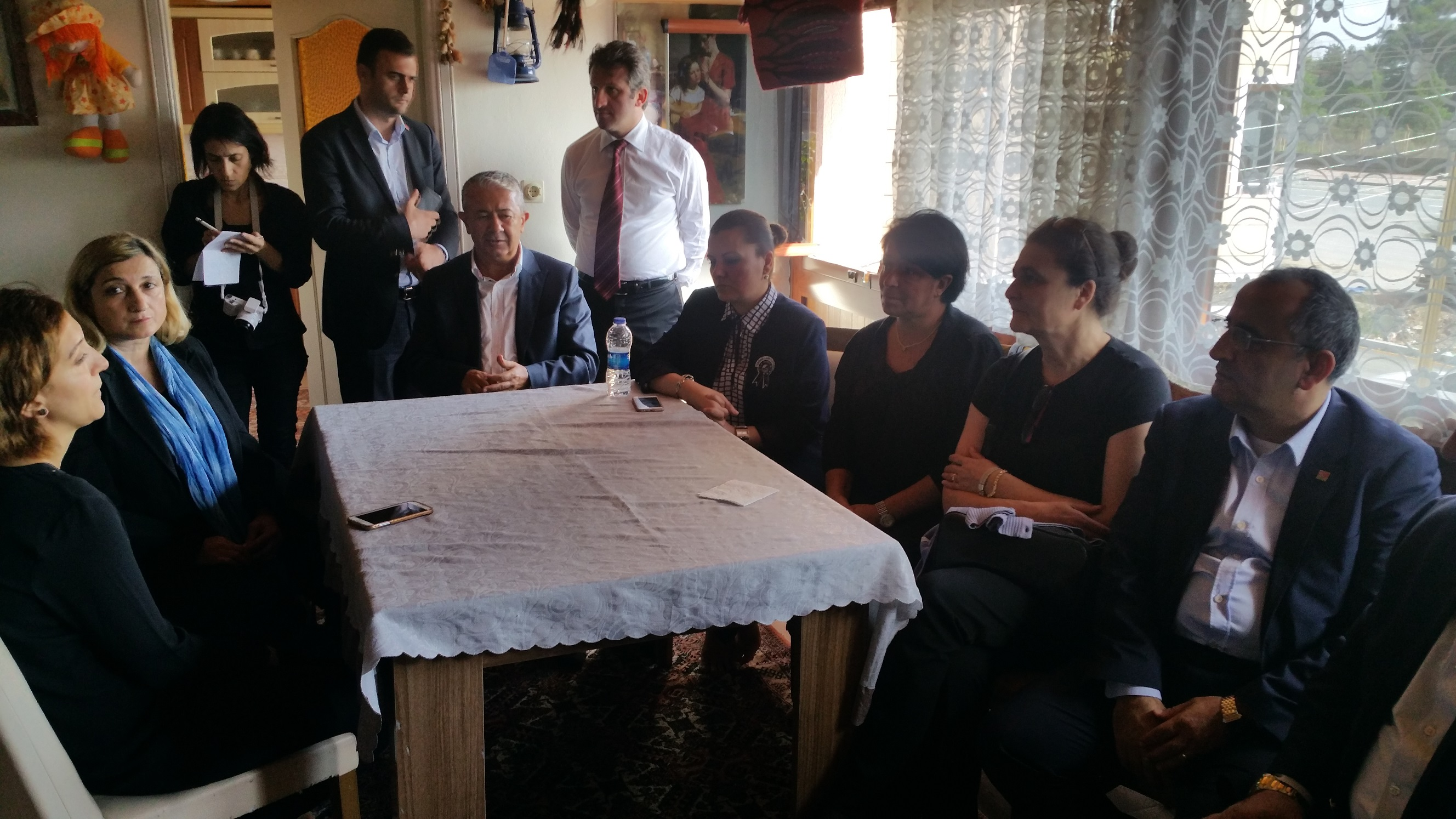 CHP'li heyetten Dilek Tan'a taziye ziyareti