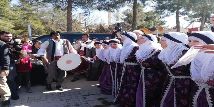 Mardinli Kadınlar Kadınlar Günü'nü Coşkuyla Kutladı