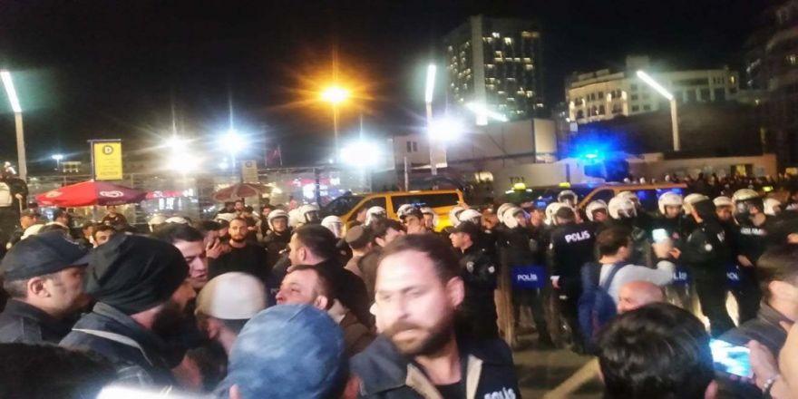 Taksim'de İzinsiz Gösteriye Biber Gazlı Müdahale