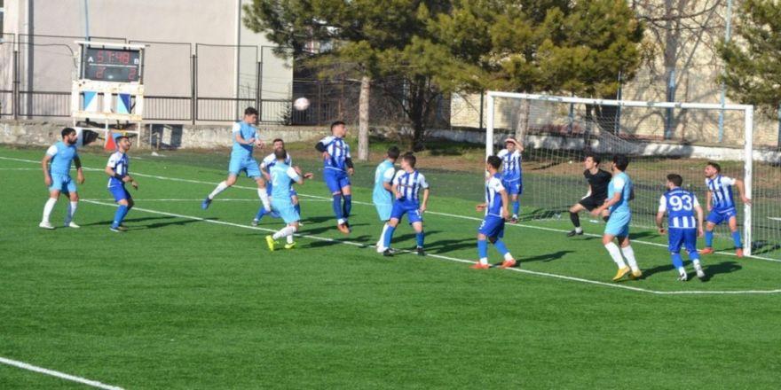 Dpü Futbol Takımı Play-off İddiasını Sürdürüyor