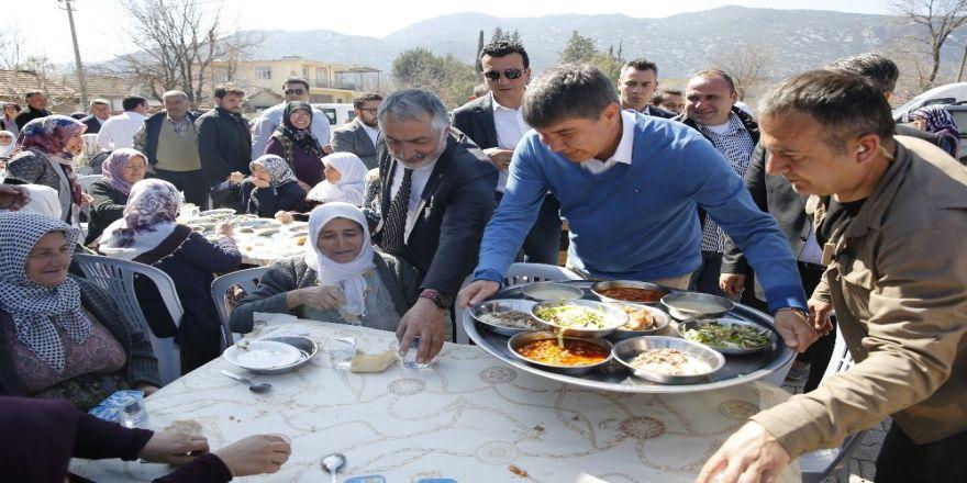 """Türel Döşemealtında Konuştu : """"Antalya'nın Neresine Gitseniz Hizmetlerimizi Görürsünüz"""""""