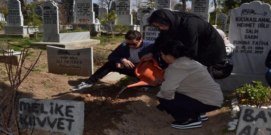 Pilot Melike Kuvvet Mezarı Başında Anıldı