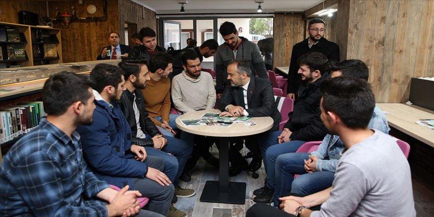 Bursa'da üniversitelilerin yaşadığı semte 'millet kıraathanesi'