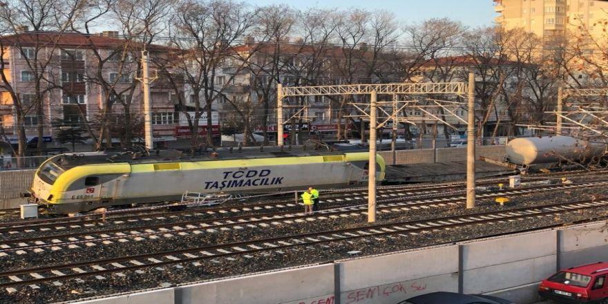 Yakıt Treni Raydan Çıktı