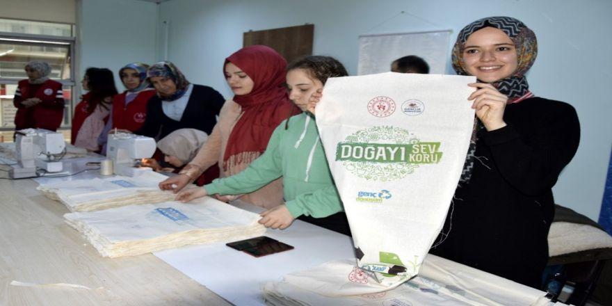 Gençlik Merkezinden Bez Çanta Projesi