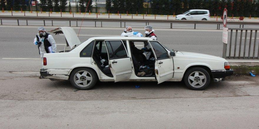 Aracında ölü bulundu