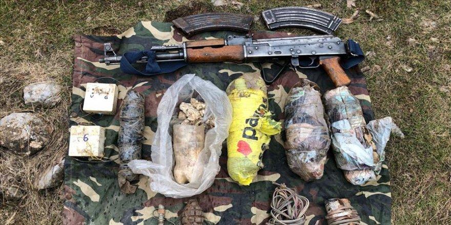 Teröristlere ait 8 sığınak ve mevzi imha edildi