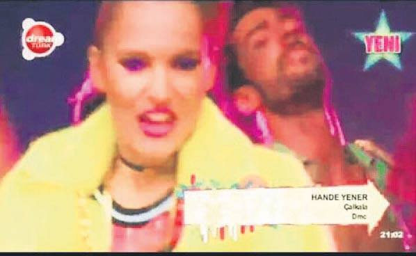 Demet Akalın yerine Hande Yener yazılınca ortalık karıştı!