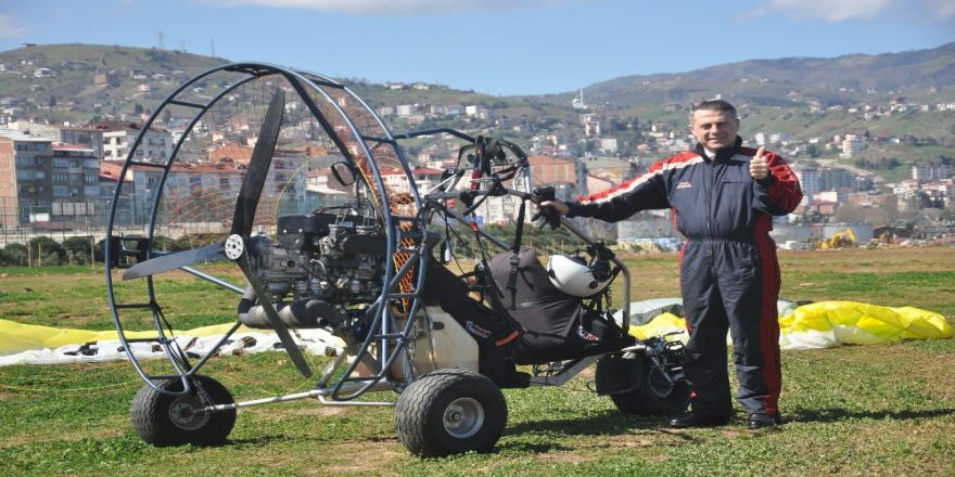 Belediye Başkan Adayı Paramotorla Uçtu