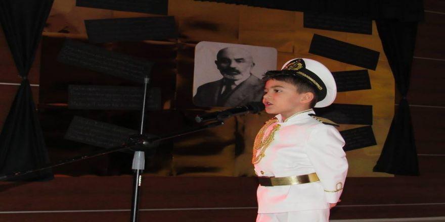 Çözüm Koleji'nde İstiklal Marşı'nı En Güzel Okuma Yarışması Düzenlendi