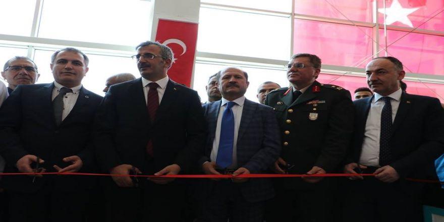 """Vali Sezer: """"Türkiye'de İlk Olarak Kırıkkale'de Açıldı"""""""