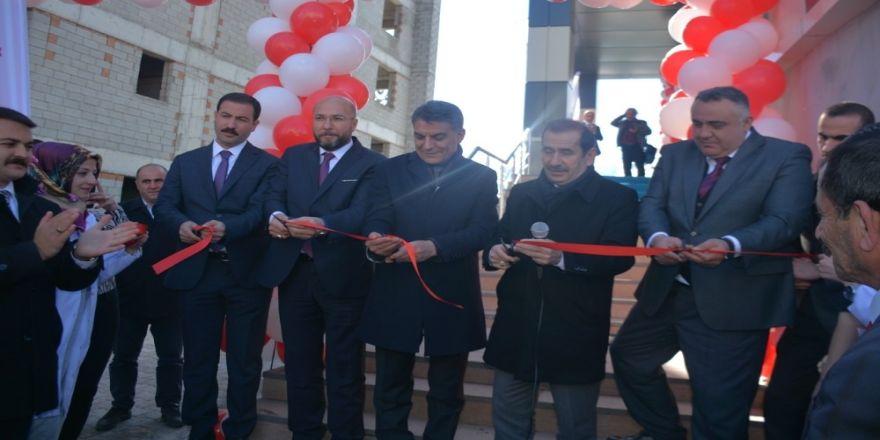 Tatvan'da 3 Sağlık Merkezi Ve 1 Acil İstasyonu Açıldı