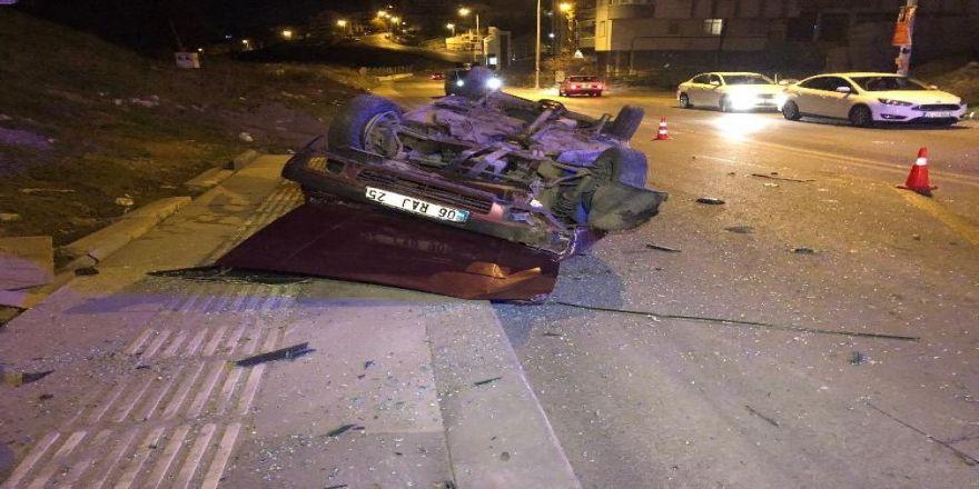 """Başkent'te """"Dur"""" İhtarına Uymayan Ehliyetsiz Sürücü Takla Attı: 5 Yaralı"""