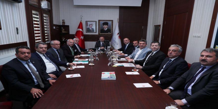Vali Çakacak, Eskişehirli Mesleki Örgütlerin Başkanlarıyla Bir Araya Geldi
