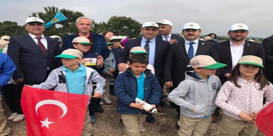 Biga'da İki Bin Fidan Toprakla Buluştu