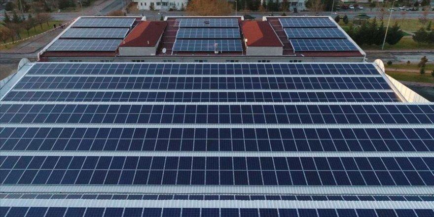 Güneşte çatı, cephe uygulamalarına yönelik karar yolda
