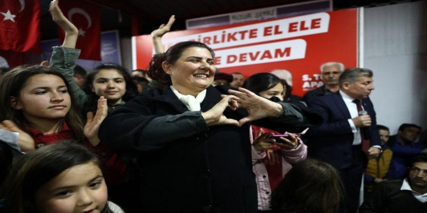 Özlem Çerçioğlu'ndan Bozdoğan'da Miting Gibi Açılış