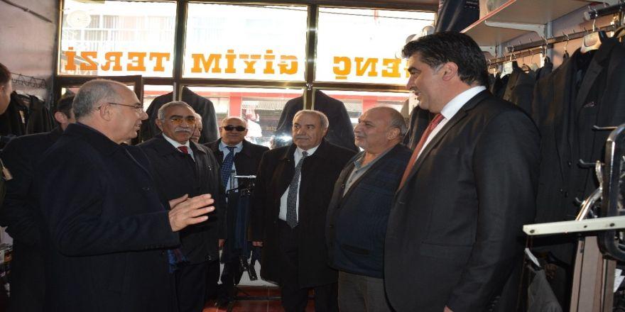 Mhp Genel Başkan Yardımcısı Prof. Dr. Mevlüt Karakaya, Tercan'da Esnafı Ziyaret Etti, Başkan Yılmaz'a Destek İstedi