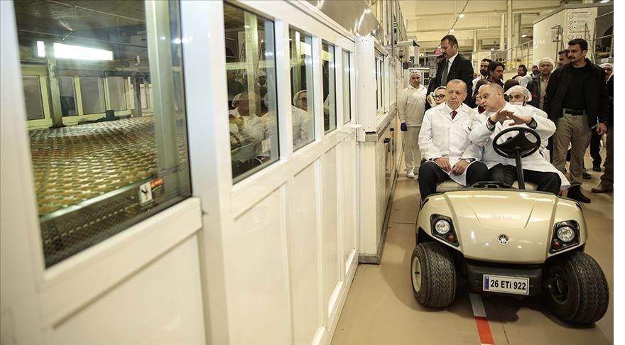 Cumhurbaşkanı Erdoğan'dan ETİ fabrikasına ziyaret