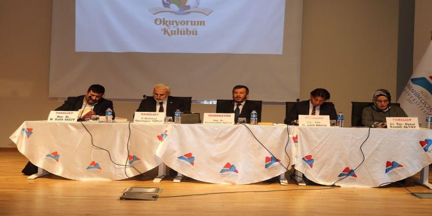 """Aiçü'de """"İslam Ve Kadın"""" Konulu Panel Düzenlendi"""