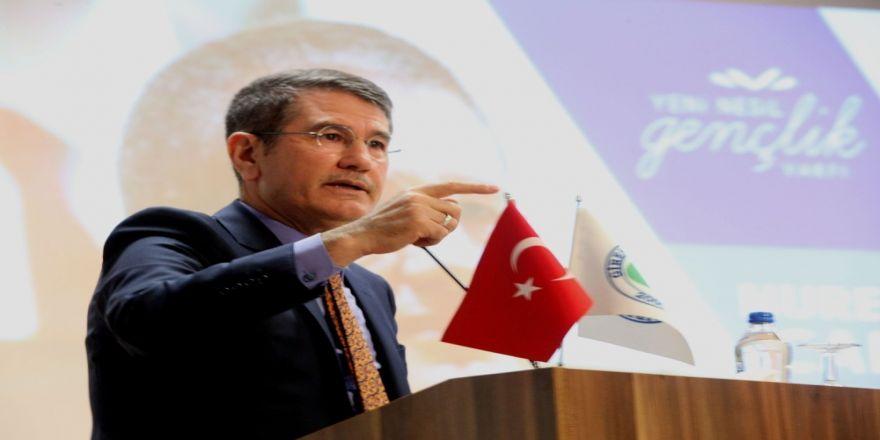 """Ak Parti'li Canikli """"Kariyer Günleri"""" Programına Katıldı"""