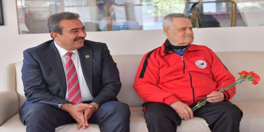 Başkan Çetin'den Efsane Hakemlerden İlyas Ayan'a Ziyaret