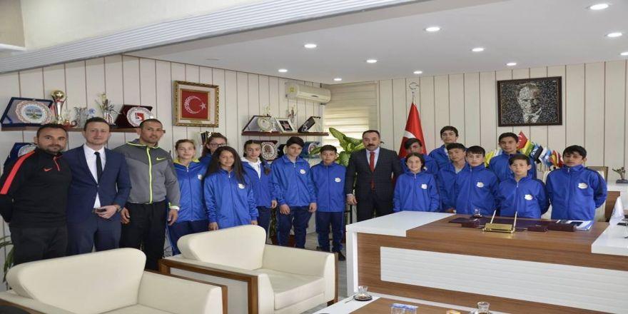 Başarılı Sporcular Anadolu Yıldızlar Ligi'ne Uğurlandı