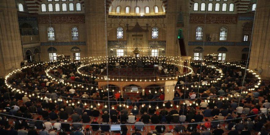 Selimiye'de Eller Semaya 'Şehitler' İçin Kalktı