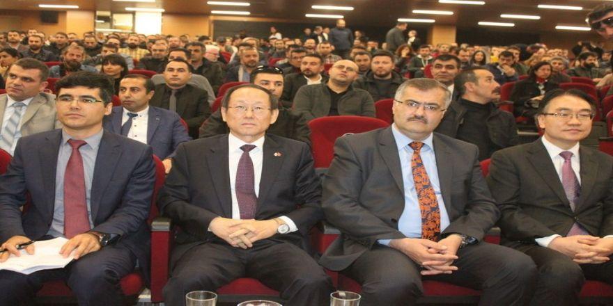 Kore Büyükelçisi Hongghi Choi, Van'da Kore'yi Anlattı