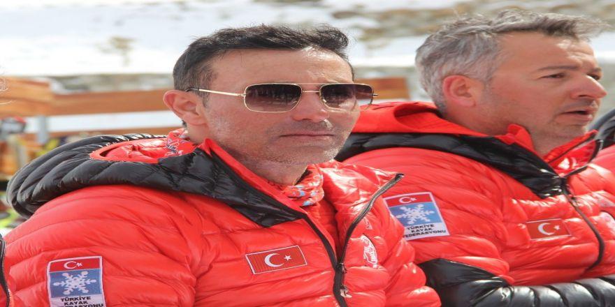 Mustafa Sandal'dan Aspen'e Özel Şarkı
