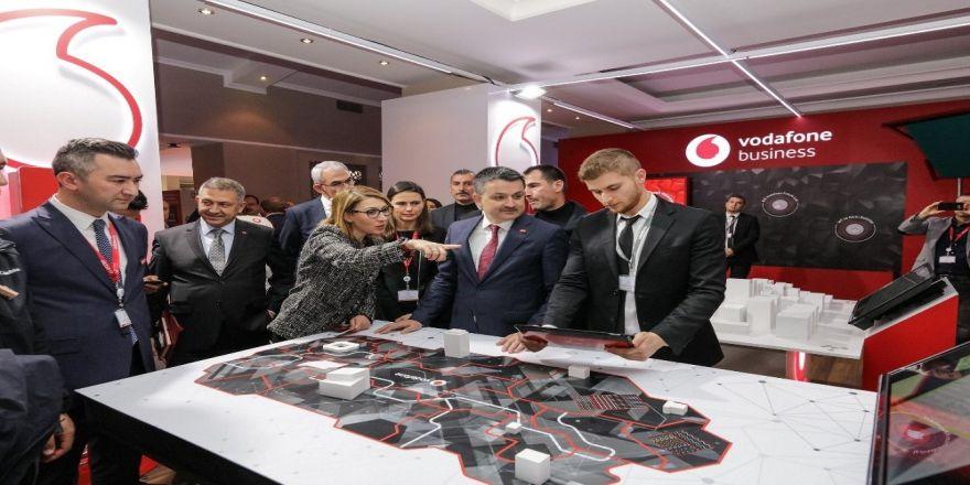 Vodafone'un Uludağ Ekonomi Zirvesi'ndeki Standına Büyük İlgi