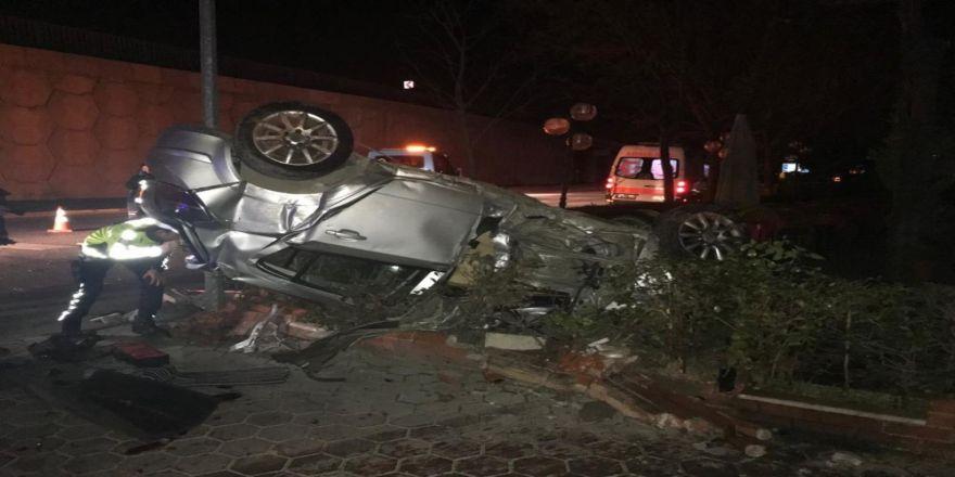 Kontrolden Çıkan Araç Kaza Yaptı... 1 Ölü 2 Yaralı