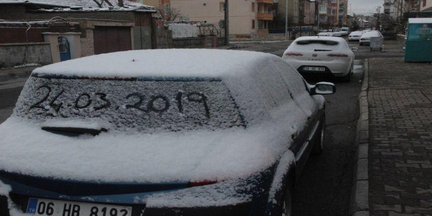 Kayseri'de Mart Ayının Son Günlerinde Kar Yağdı