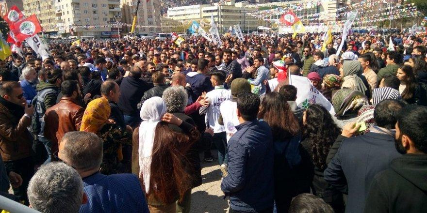 HDP'de olaylı miting