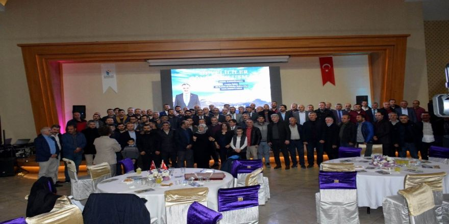 İstanbul'daki Develilerden Başkan Cabbar'a Yoğun İlgi