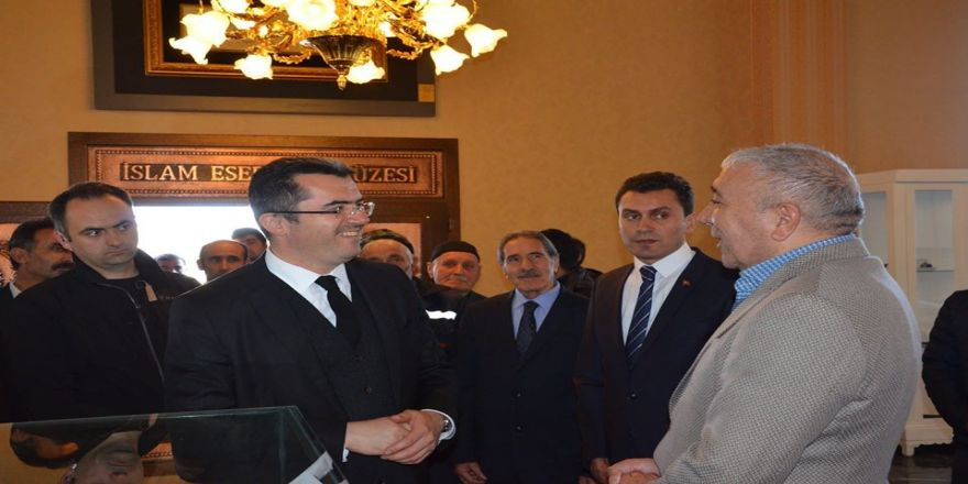 Erzurum Valisi Memiş, Çat İslam Eserleri Müzesi'ndeydi