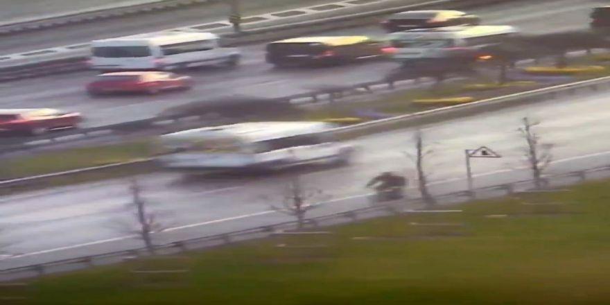 E-5 Yanyolda Trafikte Ters Yönde İlerleyen Bisiklet Sürücüsü Kamerada
