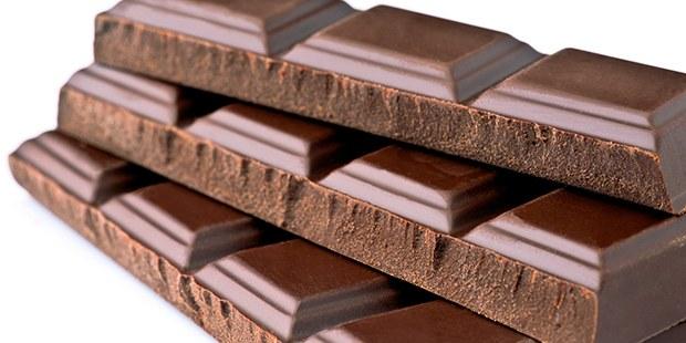 Çikolata yemek...!
