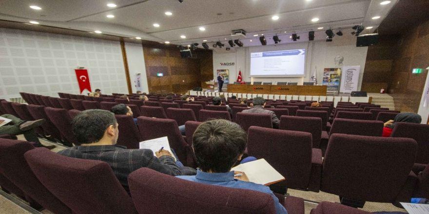 """Aosb Akademi'de """"İthalatta Maliyetleri Azaltan Gümrük Çözümleri"""" Eğitimi"""