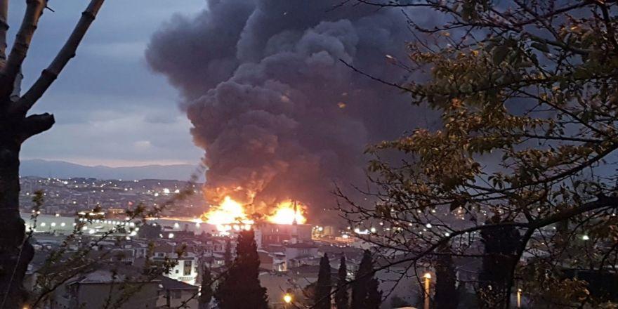 Sünger Fabrikası Alevlere Teslim Oldu
