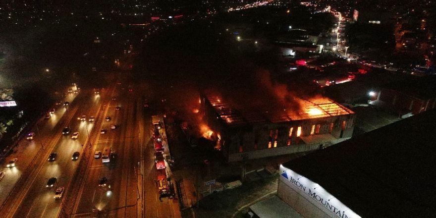 Gebze'de Fabrikadaki Yangın Havadan Görüntülendi